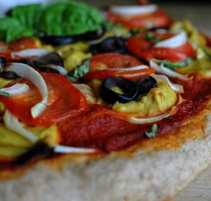 pizza z serkiem wegańskim