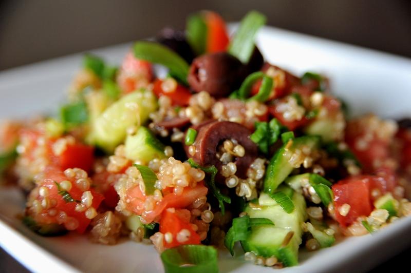 Salatka Quinoa Z Komosa Ryzowa Zdrowie Na Talerzu