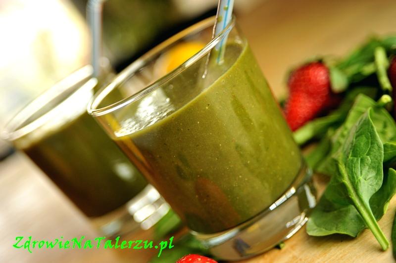 Zielony szejk z sokiem jagód aci (aciberry)