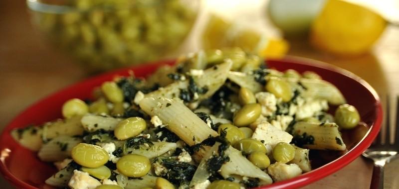 Makaron ze szpinakiem i zieloną soją (Edamame)