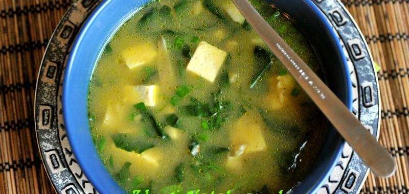 Prosta zupa z czerwonym miso