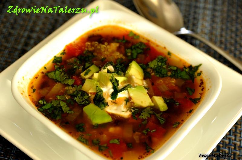 Kubańska zupa z czarnej fasoli i quinoa