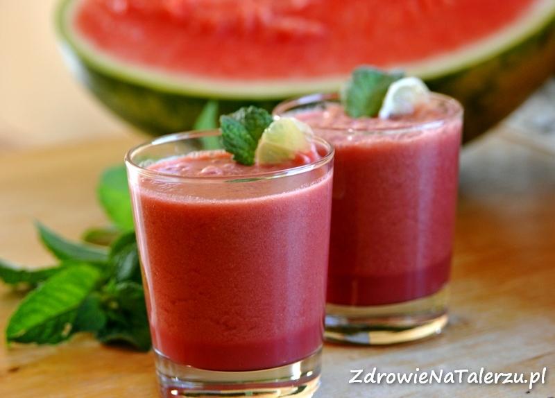 Naturalny napój z arbuza i mięty