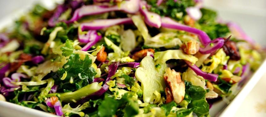 Sałatka z brokułami i jarmużem