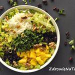 Sałatka z mango i żurawiny