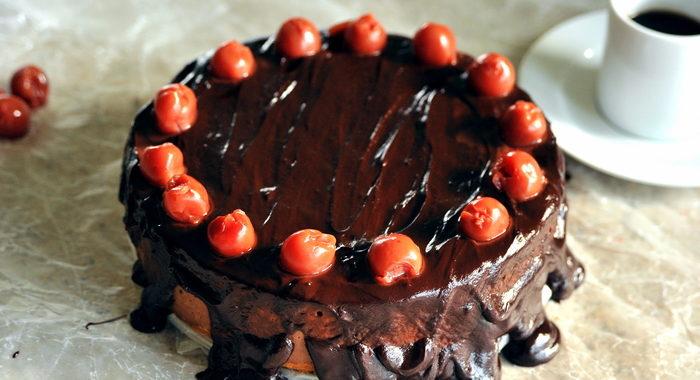 Jagielnik czekoladowy z wiśniami