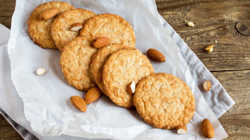Ciasteczka z orzechami i syropem klonowym zdjęcie